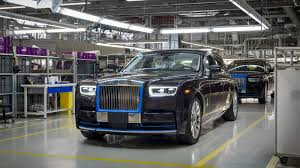roll royce phantom 2018 first 2018 rolls royce phantom heading to auction dubai abu