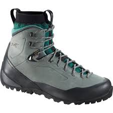 buy hiking boots near me finding the right hiking boots or shoes lowa merell scarpa