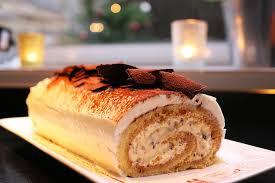recettes cuisine noel recette de fêtes la bûche tiramisu par hervé cuisine