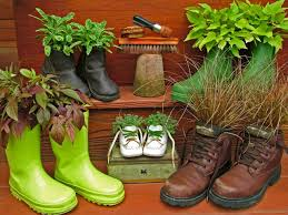 8 fresh and fun diy outdoor planter ideas hgtv u0027s decorating