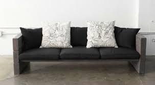 diy fabriquer un canapé avec des planches de bois et des coussins