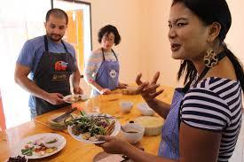 cours cuisine asiatique prenez un cours de cuisine thaï à guide generation voyage