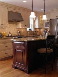 traditional two tone kitchen cabinets 05 crown point com