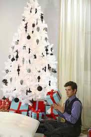 Black White Christmas Decorations For Trees by 37 Inspiring Christmas Tree Decorating Ideas Decoholic