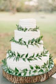 wedding cake greenery 10 ways to use greenery in your wedding decor and save money