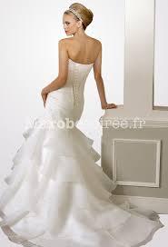 robe de mari e pr s du corps robe de mariée coupe près du corps jupe voilages fines