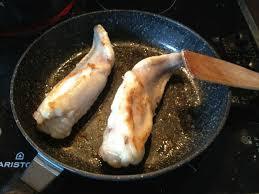 cuisiner la queue de lotte recette lotte aux poireaux petits secrets minceur partagés entre