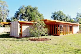 frank lloyd wright style house plans frank lloyd wright s 74 year usonian house finally built in
