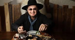 et cuisine marc veyrat guide michelin 2018 chapeau bas et trois étoiles pour marc