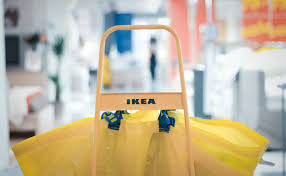 ikea syrian refugees ikea builds hope by offering jobs to syrian refugees care2 causes