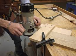 Making Wood Joints With Router by How To Build A Router Jig For Perfect Dadoes Startwoodworking Com
