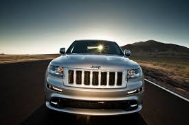 feature flick motor trend thrashes the 2012 jeep grand cherokee srt8