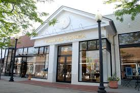 outdoor shopping malls like mashpee commons and south cape village