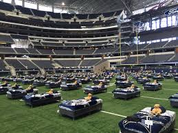 who is performing at the dallas cowboys thanksgiving game players to watch eagles cowboys 5 points blue