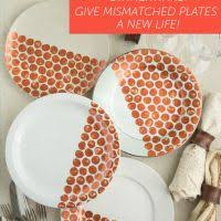 diy thanksgiving dinnerware give mismatched plates a new