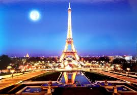The Eiffel Tower by Postcard Of The Week The Eiffel Tower At Night U2013 The Well