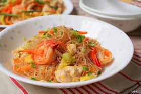 sen cuisine pad woon sen stir fried glass noodle delishar singapore