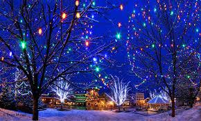 downtown leavenworth washington during the christmas lighting