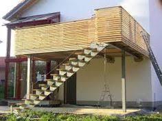 carport mit balkon noch ein geländer mit holz dachterrasse balkon