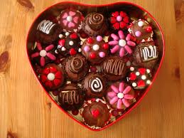 top 10 awesome gifts you can give your girlfriend this valentine u0027s
