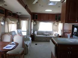 2 bedroom 5th wheel floor plans 100 hitchhiker rv floor plans 2005 nuwa hitchhiker discover