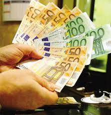 banco dei pegni al banco dei pegni di varese la crisi vale 2 8 milioni cronaca
