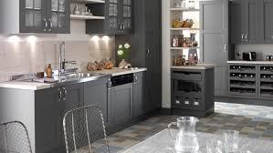 cuisine rustique repeinte en gris repeindre cuisine en gris repeindre cuisine vert anis deco
