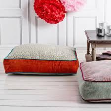 coussin de canapé le gros coussin pour canapé en 40 photos salons