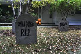 8 easy ghoulish diy decor objects for halloween