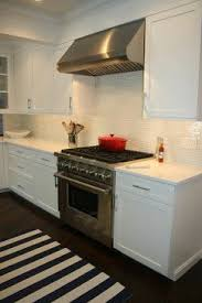 White Glass Backsplash by 43 Best Akdo Kitchens Images On Pinterest Kitchen Ideas Dream