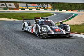 porsche 919 hybrid porsche 919 hybrid lmp1 racer features 800 volt battery technology