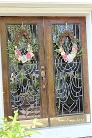 note songs front door spring wreaths