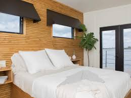 Fixer Upper Bedroom Designs See The Incredible Houseboat Makeover Featured On Last Night U0027s