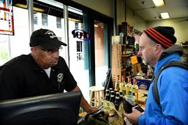 liquor store hours thanksgiving st paul mn liquor stores hours extended to 10 p m