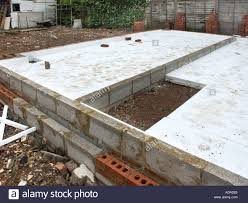 expanded polystyrene slabs as heat insulation to ground floor slab