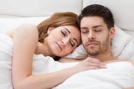ingin puaskan istri di ranjang jangan lupakan 4 hal ini