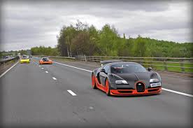 bugatti superveyron video bugatti veyron super sport wre flybys gtspirit