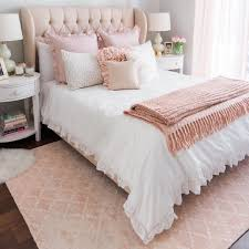 Schlafzimmer Inspiration Gesucht How To Add Color Into Your Existing Decor And Love It