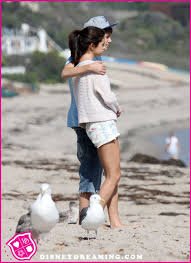 whose family will justin bieber and selena gomez spend