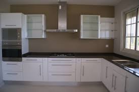 cuisine blanche mur taupe couleur mur cuisine blanche lovely deco cuisine blanc et taupe idée
