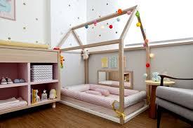 parquet chambre fille diy bricolage fabriquer lit cabane bois clair parquet chambre fille