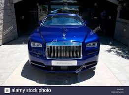 roll royce burgundy luxury travel in rolls royce stock photos u0026 luxury travel in rolls
