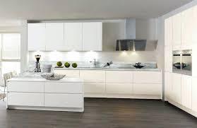 cuisine laque blanc cuisine laquee blanche cuisine en bois laque mate 675 fiala