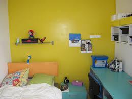 relooker une chambre d ado déco peinture la chambre du grand avant après