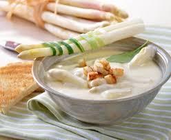 cuisiner asperges fraiches soupe d asperges blanches recette de soupe d asperges blanches