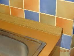 joint plan de travail cuisine etanchéïté entre plan de travail de cuisine et carrelage de la