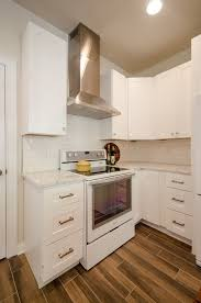 if you have white cabinets and dark countertops what color should