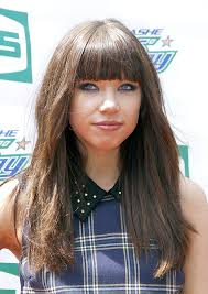 carly rae jepsen hairstyle back carly rae jepsen s smudgy eyeliner get the look hollywood life