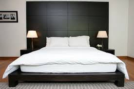 Wood Panel Headboard Stunning Contemporary Bedroom Wood Panel Features High Ceiling