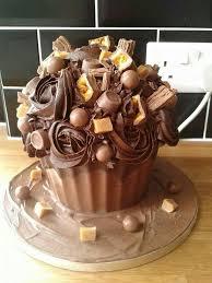 chocolate giant cupcake cupcake cakes pinterest chocolate